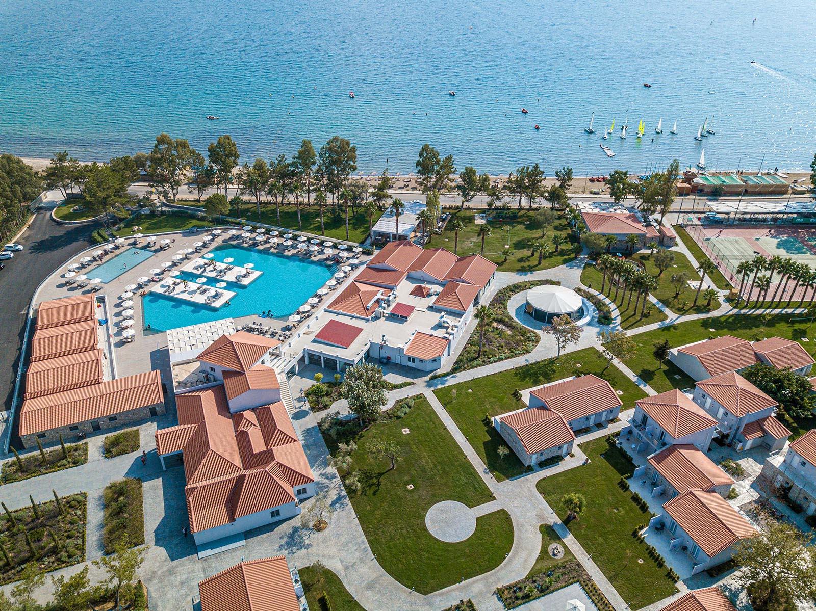 Paleros-Beach-Resort-Luxury-Hotel-Gallery-3-1