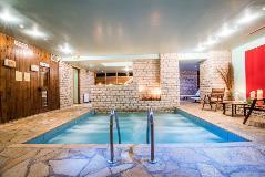 avaris hotel pool