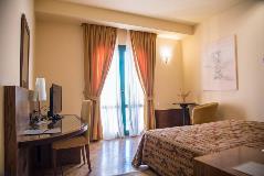 avaris hotel room