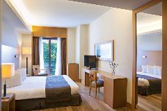 lazart hotel room