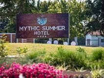 mythic-summer-hotel-entrance