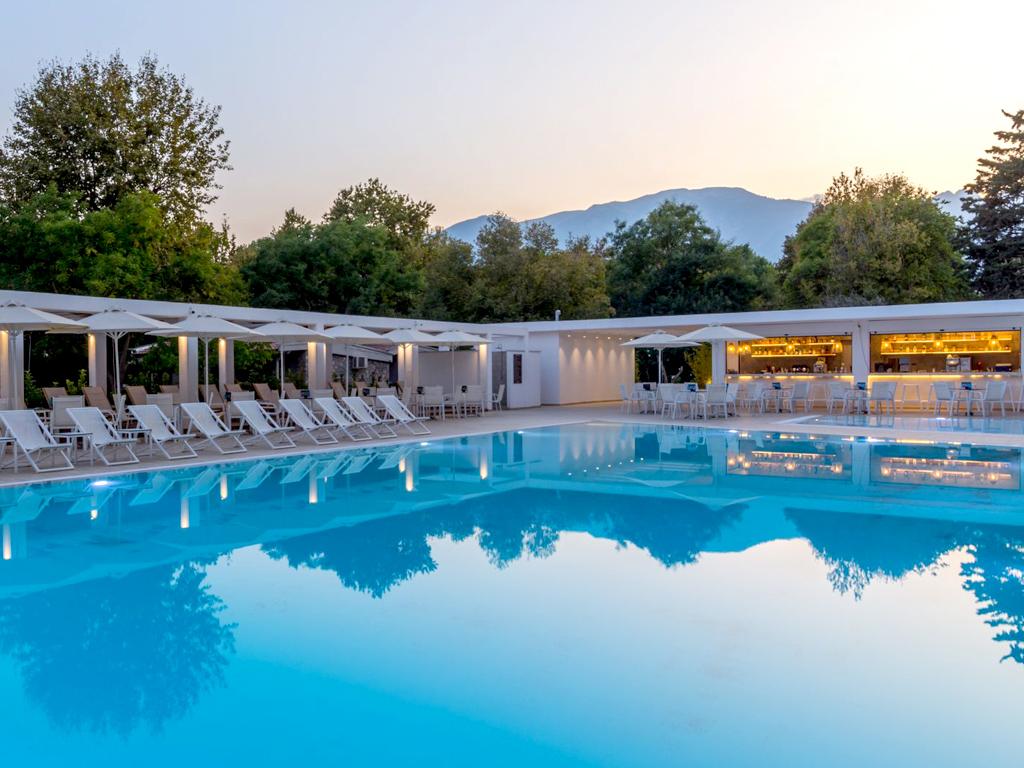 olympios-zeus-pool