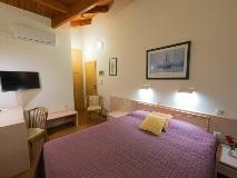 poseidon-hotel-kaminia-suite