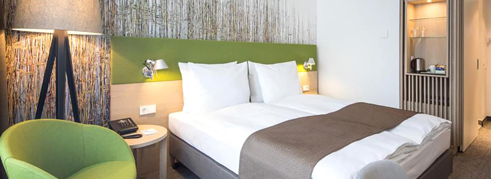 Holiday-Inn-Frankfurt-Alte-Oper-room2