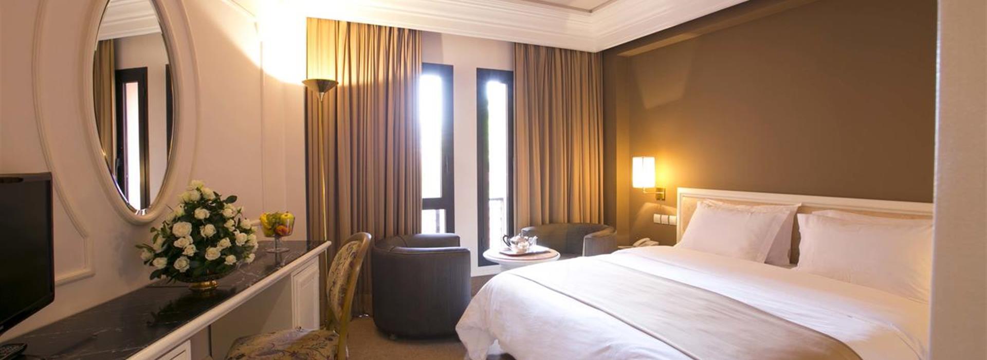 nassim-hotel
