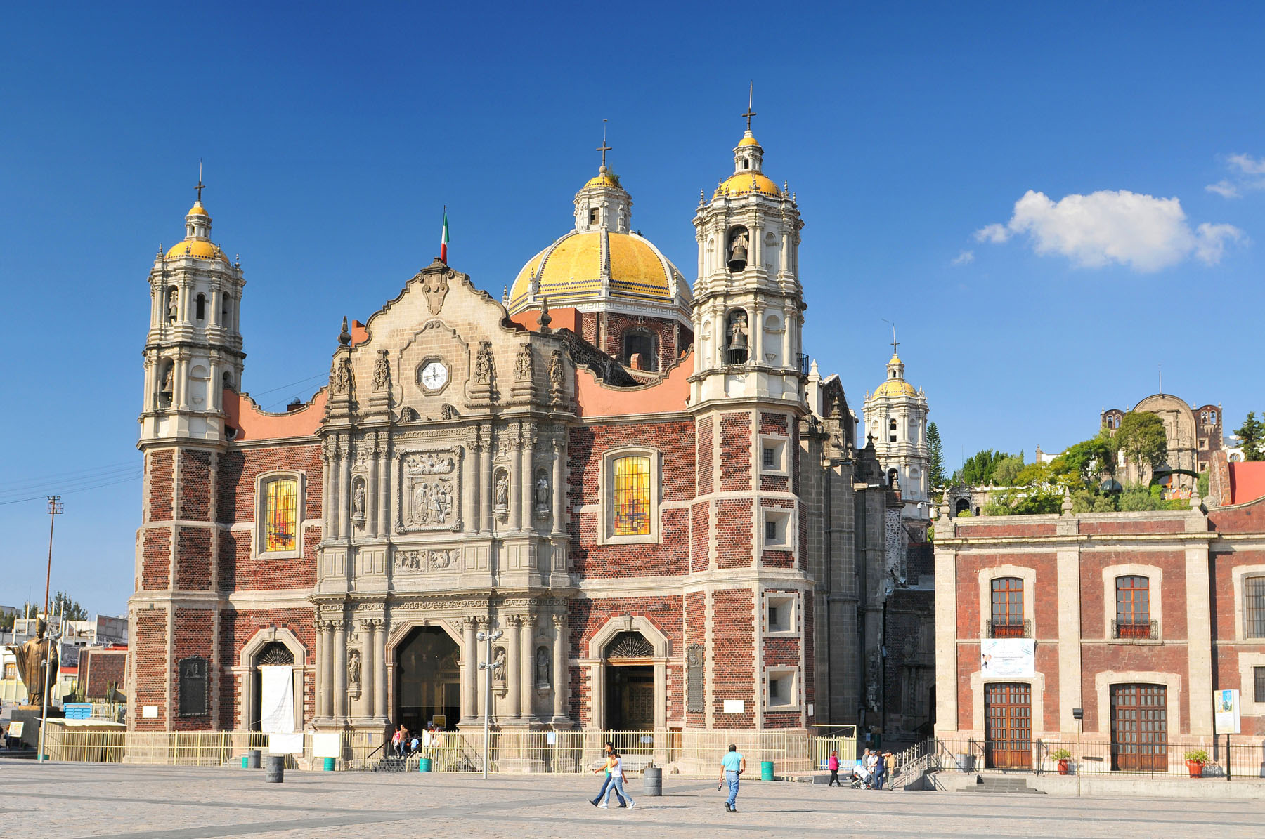 Mexico-Mexico-City-Lady-of-Guadalupe_574790005