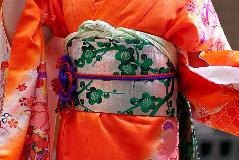 Japan-Kimono_44742733