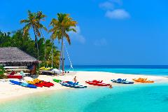 Maldives-Dhoni-Boat_76399303