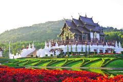 Thailand-Chiang-Mai-Golden-Hall_104248802