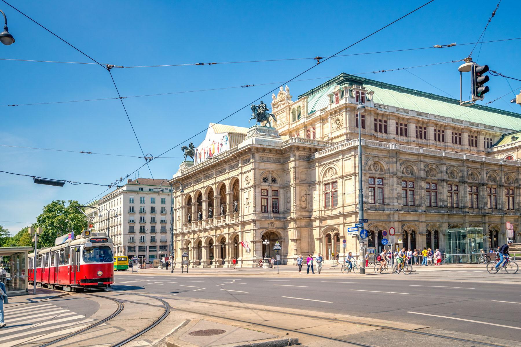 Austria-Vienna_385284664