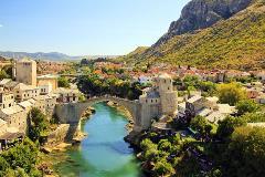 Bosnia-Mostar_74380219