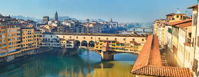 Italy-Florence-Tuscan-River Arno_255892732