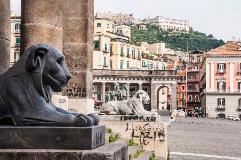 Italy-Napoli_000034060272Medium