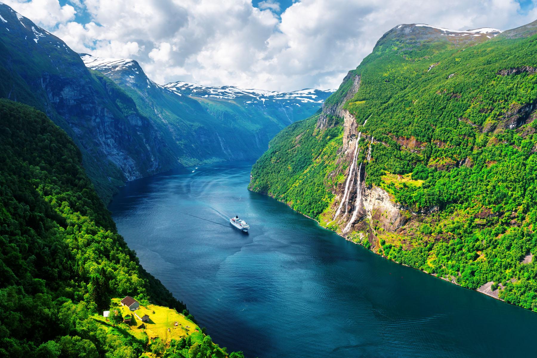 Norway-Geiranger_1013519491