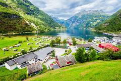 Norway-Geiranger_794921545