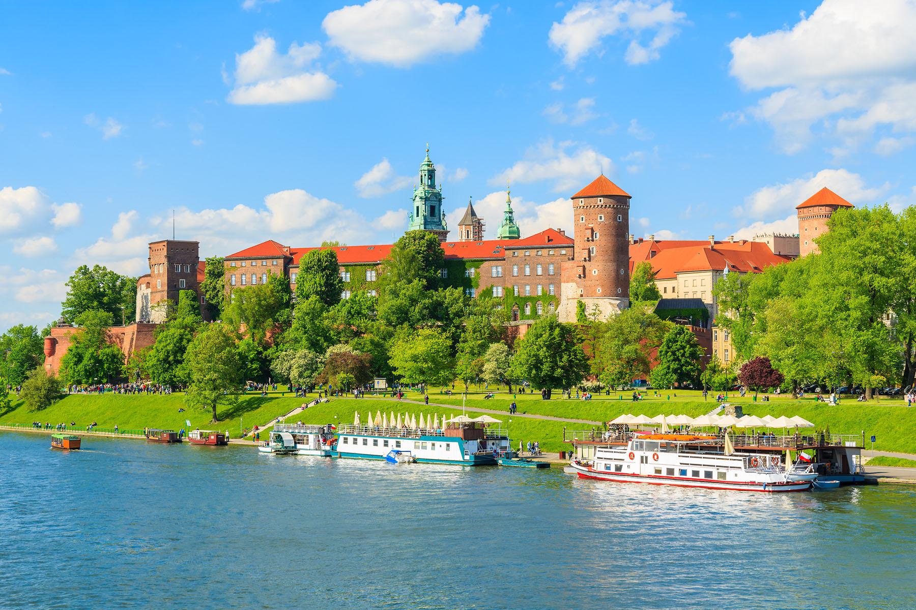 Poland-Vistula River_369940733