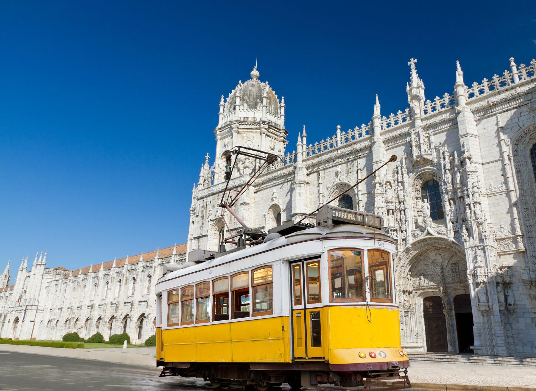 Portugal-Lisbon_92182423