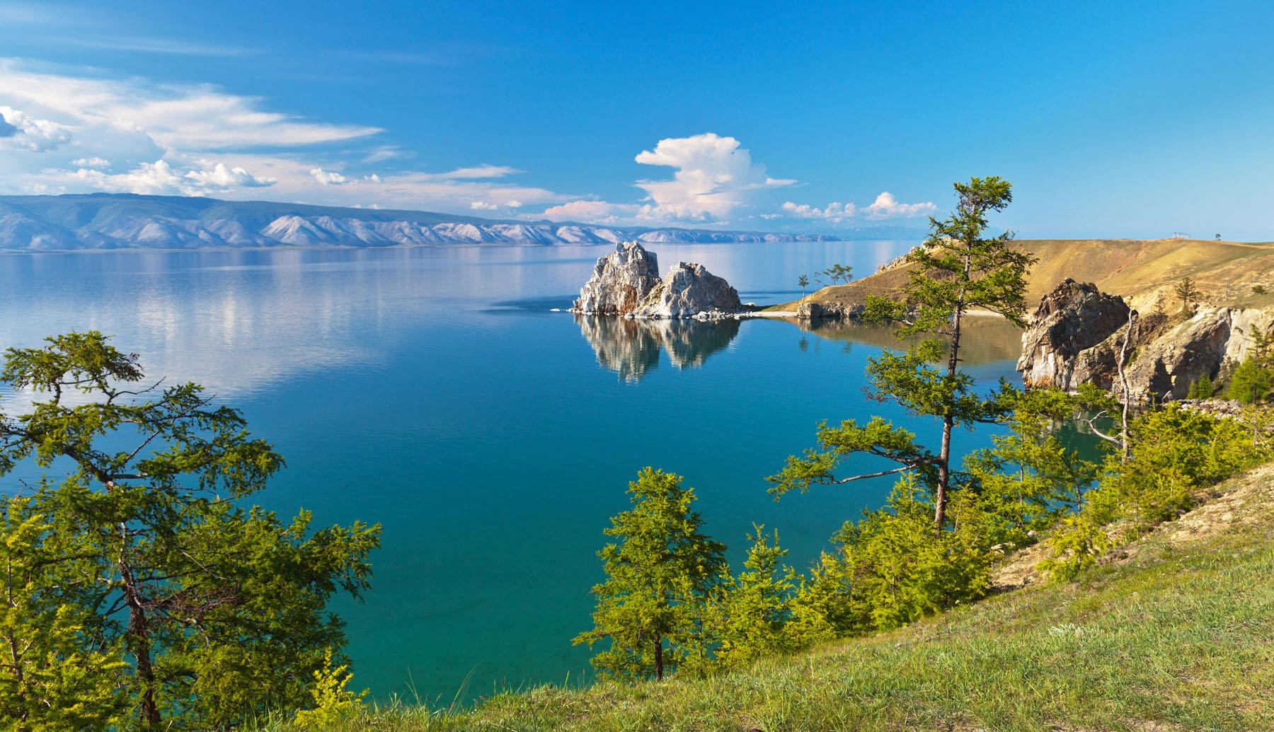 Russia-Lake-Baikal_216263854