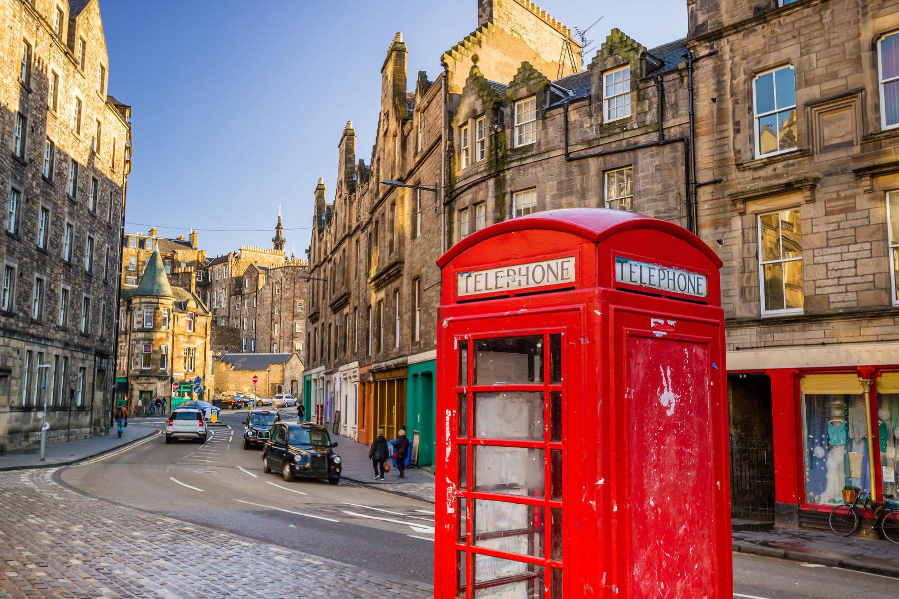 Scotland-Edinburgh_379878790