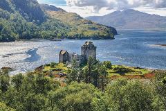 Scotland-Eilean-Donan Castle_744175543_1