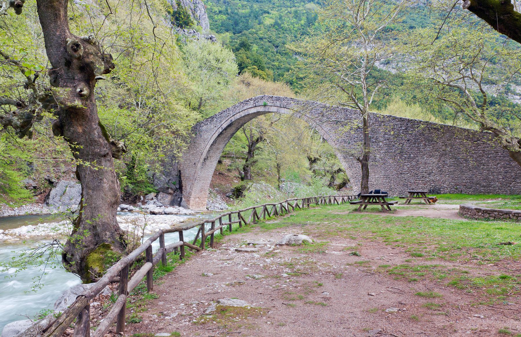 Greece-Pilion-Pyli_99959027